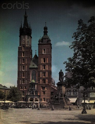 vintage everyday: Color Photographs of Daily Life in Poland in the 1930s