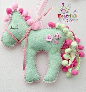 Pony feltie