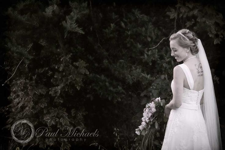 Tori makes a lovely bride. Wellington wedding photography http://www.paulmichaels.co.nz/