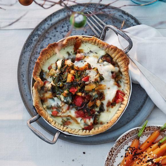Rezept: Mangold-Haselnuss-Pie mit Ziegenkäse-Béchamel