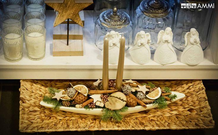 Zlatá vánoční dekorace