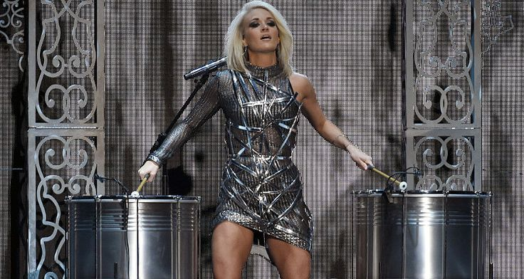 Image result for pictures of carrie underwood in 2017