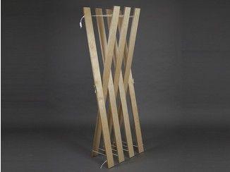 Cabide de pé de madeira compensada STREIPS | Cabide de pé - AMBIVALENZ