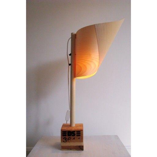 Kaptajn - table lamp by Yndlingsting #nordicdesigncollective #yndlingsting #captain #tablelamp #bedroom #livingroom #peculiar #shape #light #design #different #wood