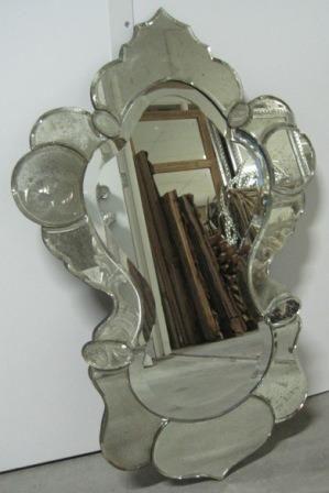 Spiegel voor op het toilet