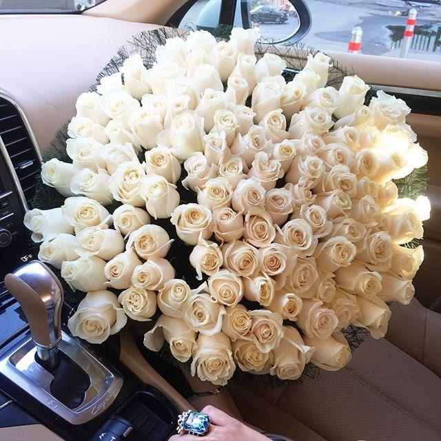 всегда была картинки охапка белых роз с кольцом окружении красивейшей