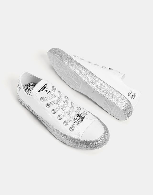 8eb0e43e3930b9 Converse X Miley Cyrus fabric sneakers - Bershka  conversexmiley  converse   mileycyrus  miley  chucktaylor  fashion  product  young  trend  trendy   sneakers ...