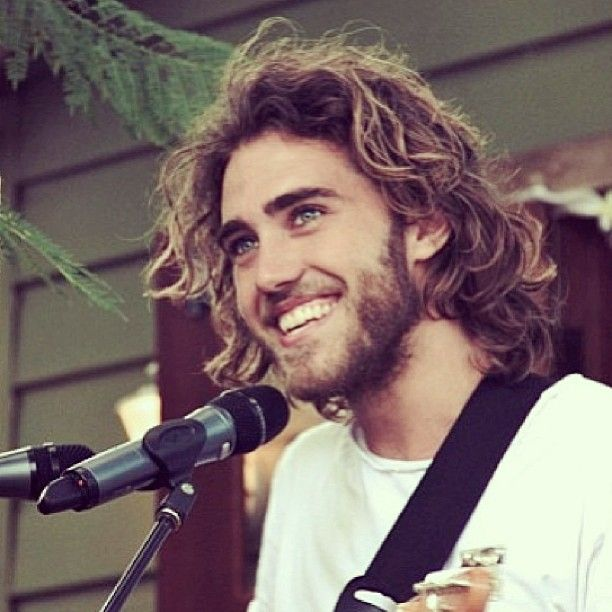 Matt Corby. fantastic musician/singer/songwriter! seen him live and it was great! and looks good too ;)