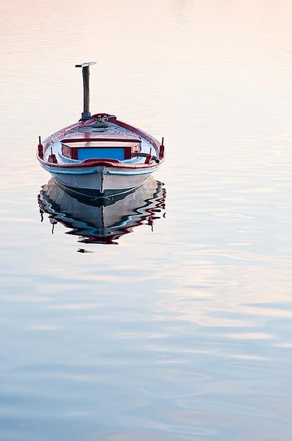 Small boat by Prayann, via Flickr
