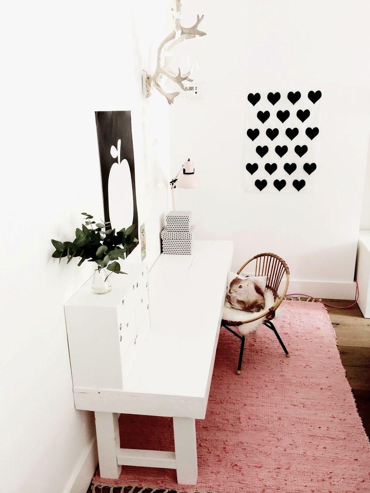 zwarte hartjes op de muur  - (re)pinned By Leuke-kinderkamer.nl