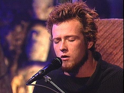 Scott Weiland 1994   Scott Weiland from Stone Temple Pilots in their Unplugged performance   Scott's best look. Mmm