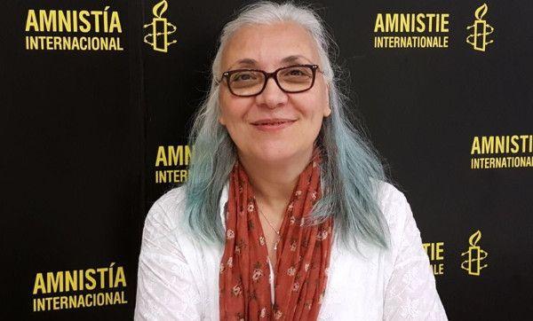 Åtta människorättsförsvarare och två utbildare har gripits av turkisk polis under en workshop om digital säkerhet. Under mer än ett dygn hölls de isolerade och de fick inte kontakta advokat eller anhöriga. Amnesty kräver att alla tio friges omedelbart och ovillkorligt. Inom loppet av en månad har två personer i Amnesty Internationals turkiska sektion gripits. …
