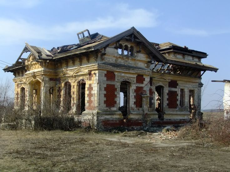 Abandoned romania romanian mansion eternal night vows pinterest romania mansions and - What houses romanians prefer ...