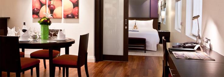 Siri Sathorn serviced apartments for longer term accomodation. Located on  Saladaeng Soi 1.