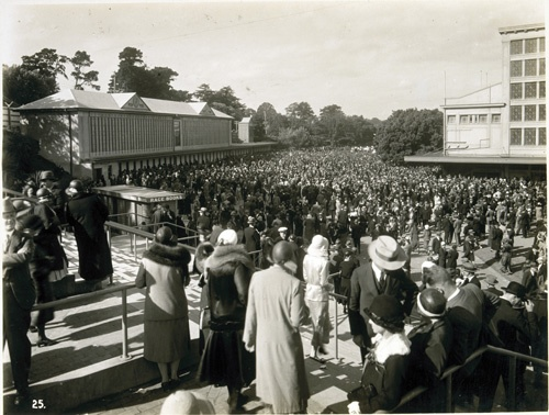 1931 - The first totaliser was installed at Flemington Racecourse