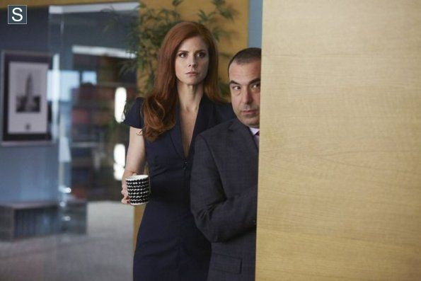 "Suits - Louis and Donna ""Two in the Knees"" #4.3 #Season4"