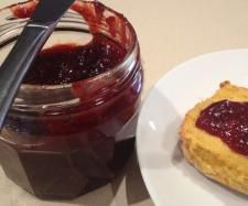 Recipe 1 Punnet Speedy Strawberry Jam by Leanne Sloss - Recipe of category Sauces, dips & spreads