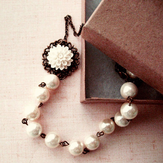 White Shell Pearl with Flower Necklace - Purity Spring $35