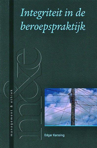 'Integriteit in de beroepspraktijk' is een prikkelend boek, dat de lezer aan de hand van vele praktijkvoorbeelden, citaten…
