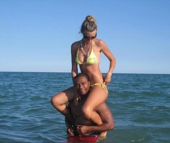 girl nude love black man