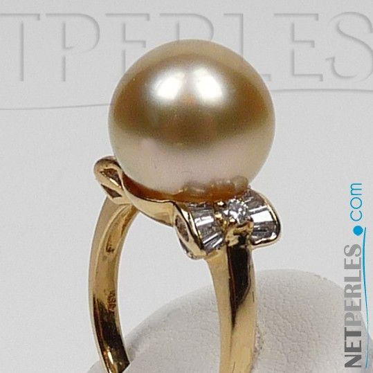 Anello oro 18k diamanti e perla Australiana dorata 10-11 mm AAA