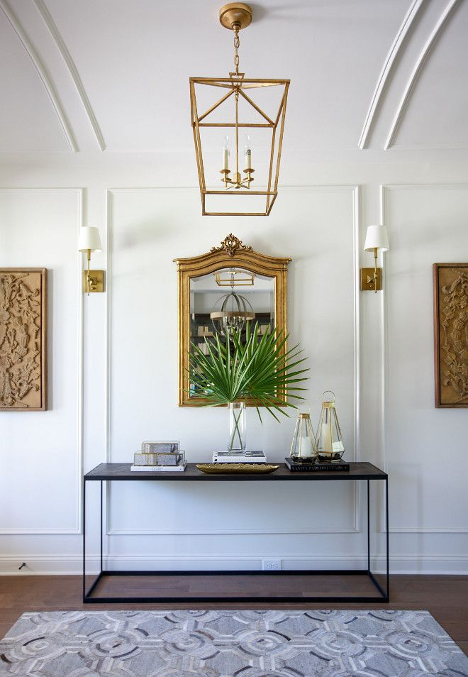 wall and ceiling detail (sherwin-williams-shoji-white-sw7042)