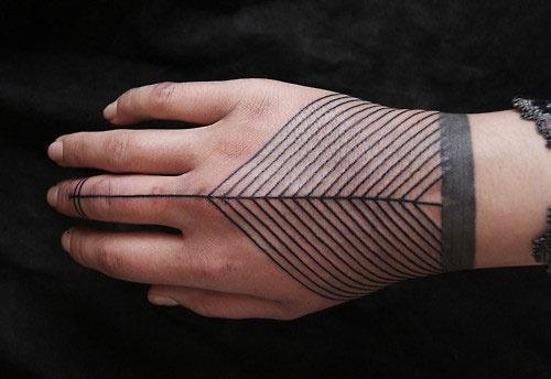 http://www.marcosbernardes.com/imagens_blog/tattoo_fevereiro_01.jpg