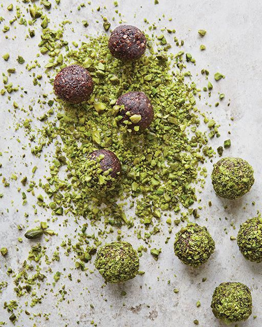 ilseboersma   Date & pistachio balls #recipe #sweet #nuts #cocoa #snack #healthy