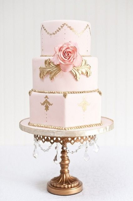 Elegant Pink and Gold Wedding Cake