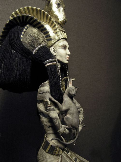 .: Egyptian Goddesses, Beautiful Woman, Cat, The Artists, Queen, Isis, Ancient Egypt, Egyptian Art, Births
