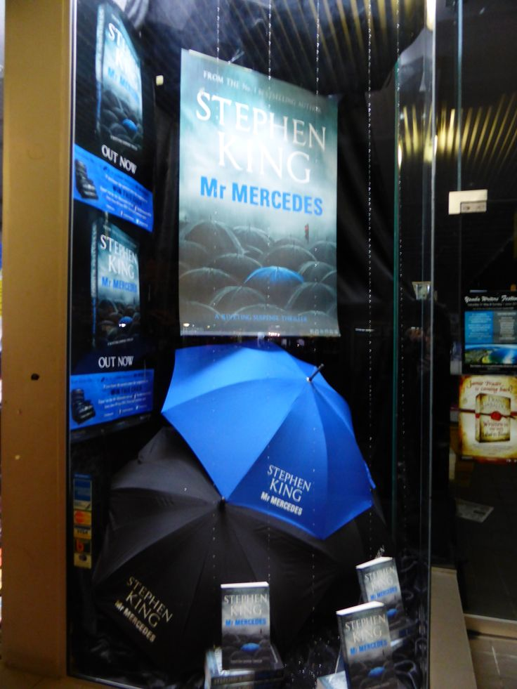 A stunning #MRMERCEDES display from The Book Warehouse Lismore! The beautiful 'rain' is made from lots and lots of tiny beads... wow! #StephenKing