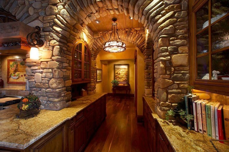 De piedra: Stones Arches, Beautiful Wall, Arches Kitchens, Kitchens Wall Stones, Kitchens Stones, Stone Walls, Stonework Ideas, Interiors Stones Wall, Stones Work