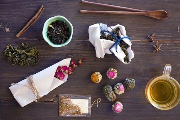 Make Your Own Blooming Flower Tea  http://blog.freepeople.com/2012/08/blooming-flower-tea/