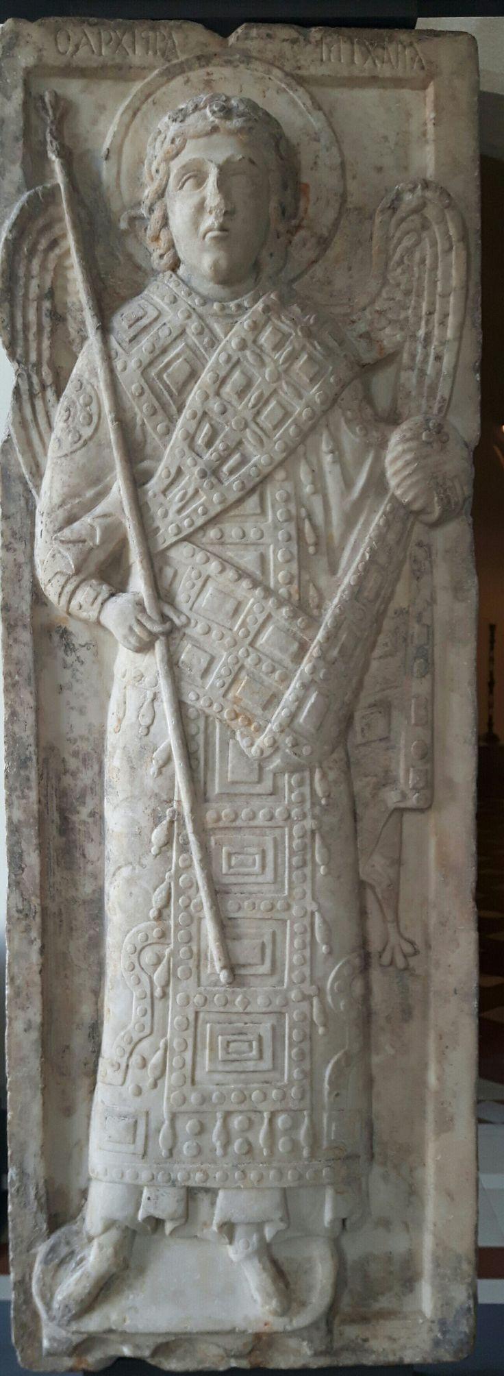 Icona con l'Arcangelo Michele.  1275. Bode Museum Berlino