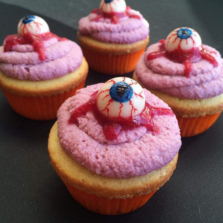 #cupcake #halloween #cake #eye #scarry #капкейк #хэллоуин #глаза #мастика #fondant
