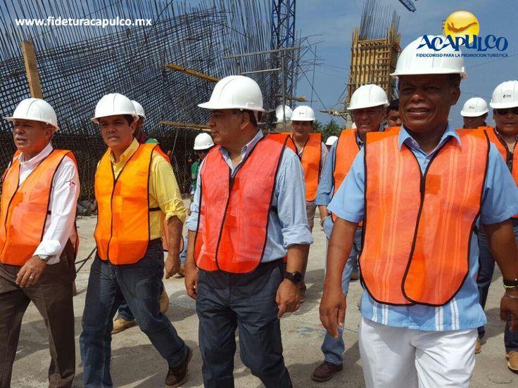 https://flic.kr/p/SJKUuH | Se supervisan obras en Acapulco para el Tianguis Turístico 2017. INFO ACAPULCO 1 | #infoacapulco Se supervisan obras en Acapulco para el Tianguis Turístico 2017. INFO ACAPULCO. El alcalde municipal de Acapulco, Evodio Velázquez, supervisó las obras que se están llevando a cabo en diferentes puntos del puerto con motivo del Tianguis Turístico 2017, para el cual ya todo se encuentra preparado. Te invitamos a visitar la página oficial de Fidetur Acapulco, para…
