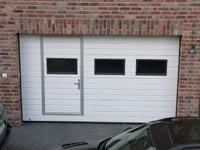 Garage im Keller, elektrisches Sektionaltor
