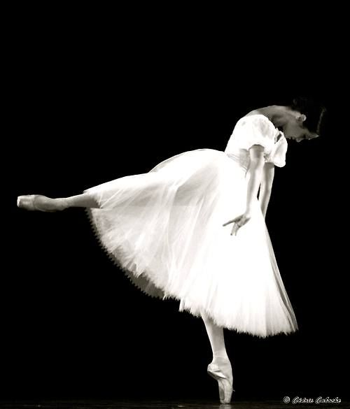 Mathilde Froustey in Giselle  Photo © Cedric Caboche