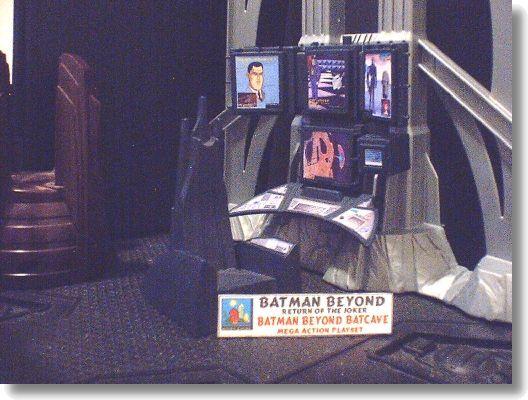 Batman Beyond: Return of the Joker Wave 3 - CustomCon 4: Spring 2001 - Figuronomy.com