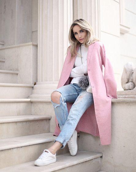 Silvia P. - Zara Maxi Coat, H&M Jeans - MINIMAL PINK