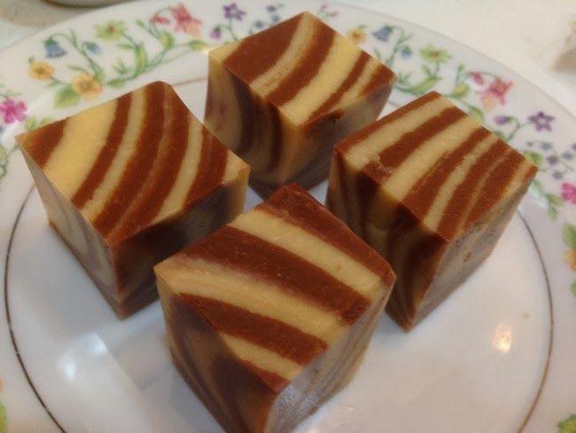 Azie Kitchen: Puding Batik Mudah dan Sedap
