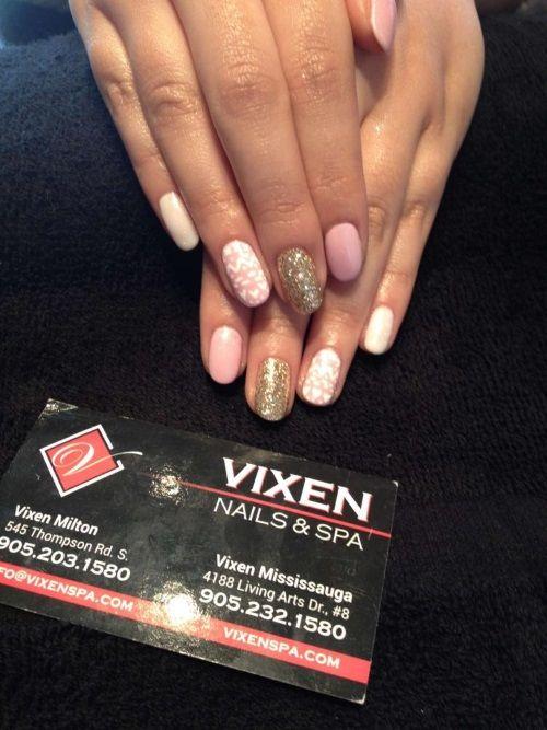 Festive Shellac Manicure www.vixenspa.com