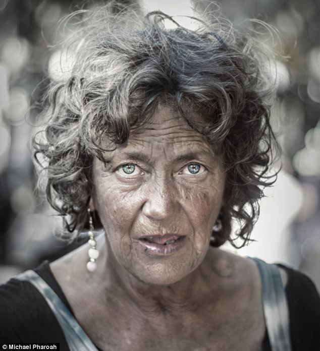 Homeless In Hollywood Photographer Captures The Hard Lives Humor And Portrait People Photography Interesting Faces