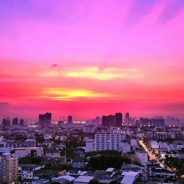กรุงเทพมหานคร (Bangkok) i กรุงเทพมหานคร