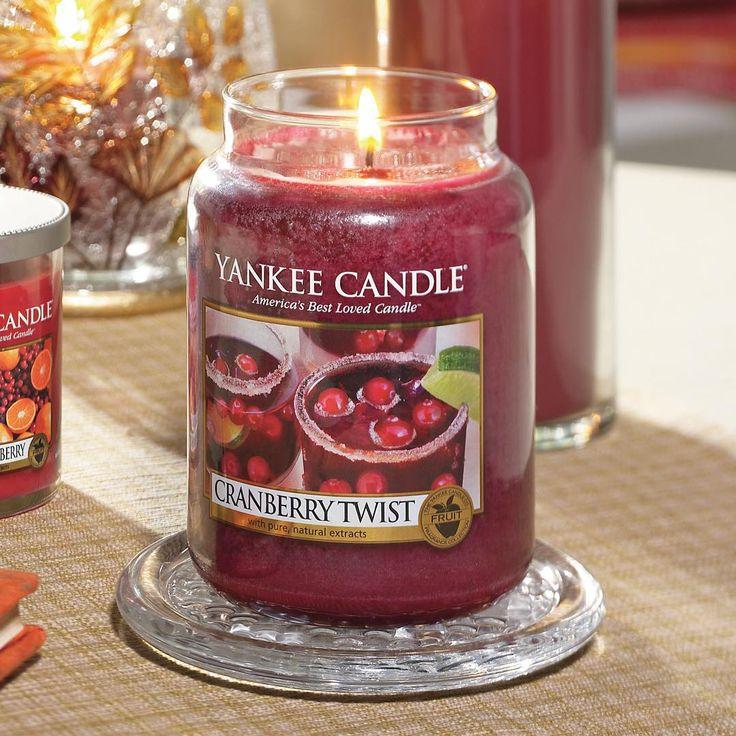 Con Cranberry Twist probarás un refrescante cóctel de una mezcla de bayas, una pizca de ralladura de cítricos y un toque de jengibre fresco - #yankeecandle #cranberrytwist