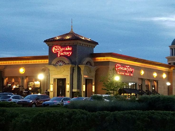 The Cheesecake Factory Restaurant In The Towne Place At Garden