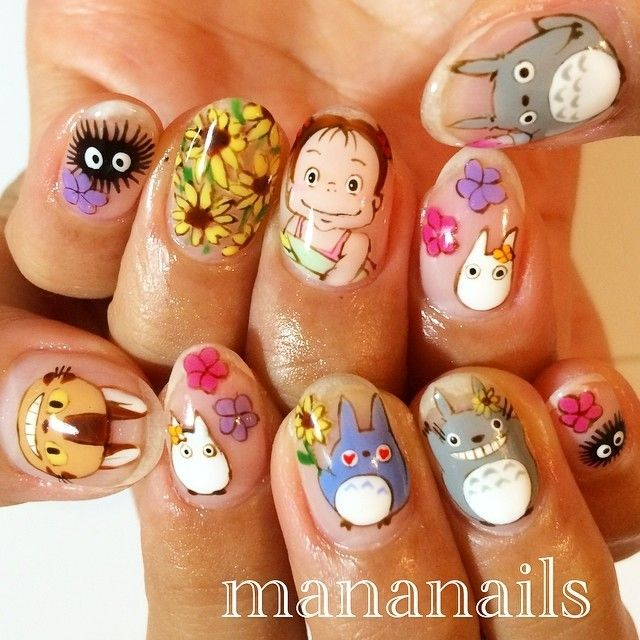 I don't usually pin nails but these My Neighbor Totoro nails are fantastic!<< ive been really into fake nails recently omf