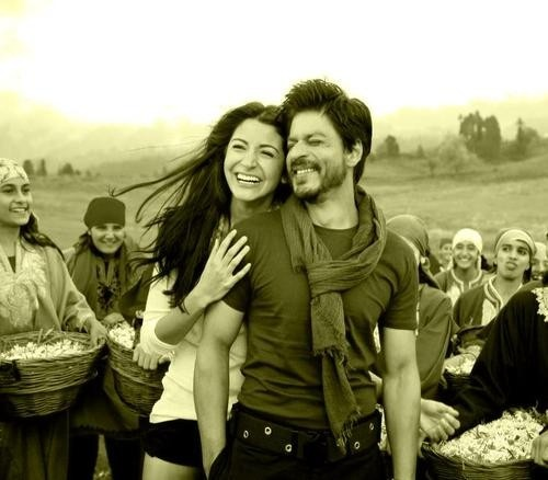 amazing chemistry together, beautiful acting! heartwarming & emotional ! the ever so talented sharukh khan & anushka sharma <3