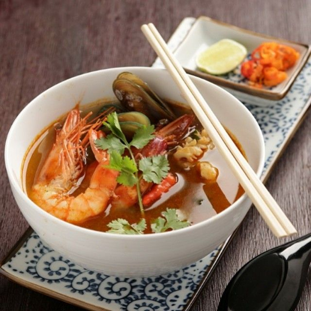 TOM YUM SEAFOOD - Fragant hot + sour soup with authentic Thai flavor of coriander, fish sauce, chili and basil #TomYum #Seafood #TomYumSeafood #food #opcoindonesia #howdyhelloholaheyho #H5 https://www.facebook.com/H5OPCO