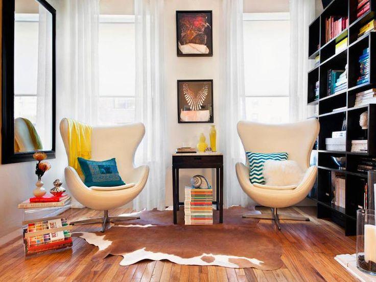 comment-meubler-petit-studio-bibliothèque   Deco salon contemporain, Petit salon, Comment ...